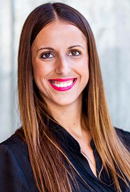 Leticia Oya, fisioterapeuta y osteópata en Clínica Luis Baños de Jaén