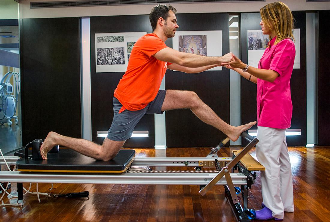 Tratamiento del esguince de rodilla en Clínica Luis Baños