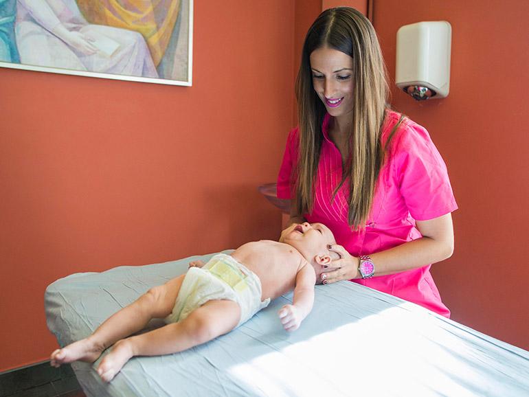 Tratamiento de las deformaciones en el cráneo bebé en Clinica Luis Baños de Jaén
