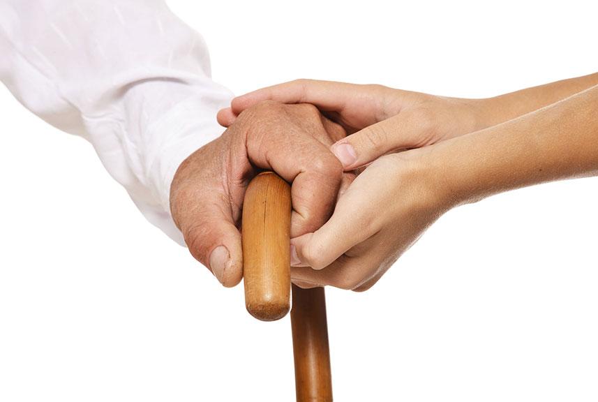 Recomendaciones para un uso adecuado del bastón desde Clínica Luis Baños