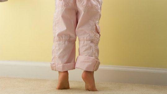 ¿Tu hijo camina de puntillas?
