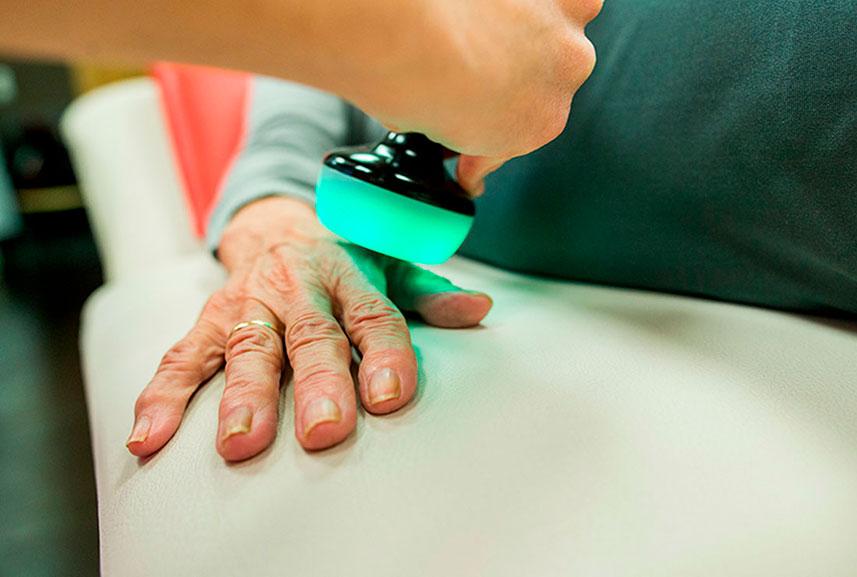 Tratamiento de la artrosis de manos en Clínica Luis Baños de Jaén