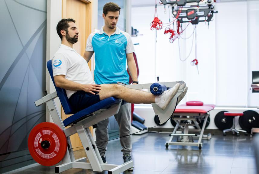 Tratamiento de la Tendinopatía Rotuliana en la Clínica Luis Baños de Jaén